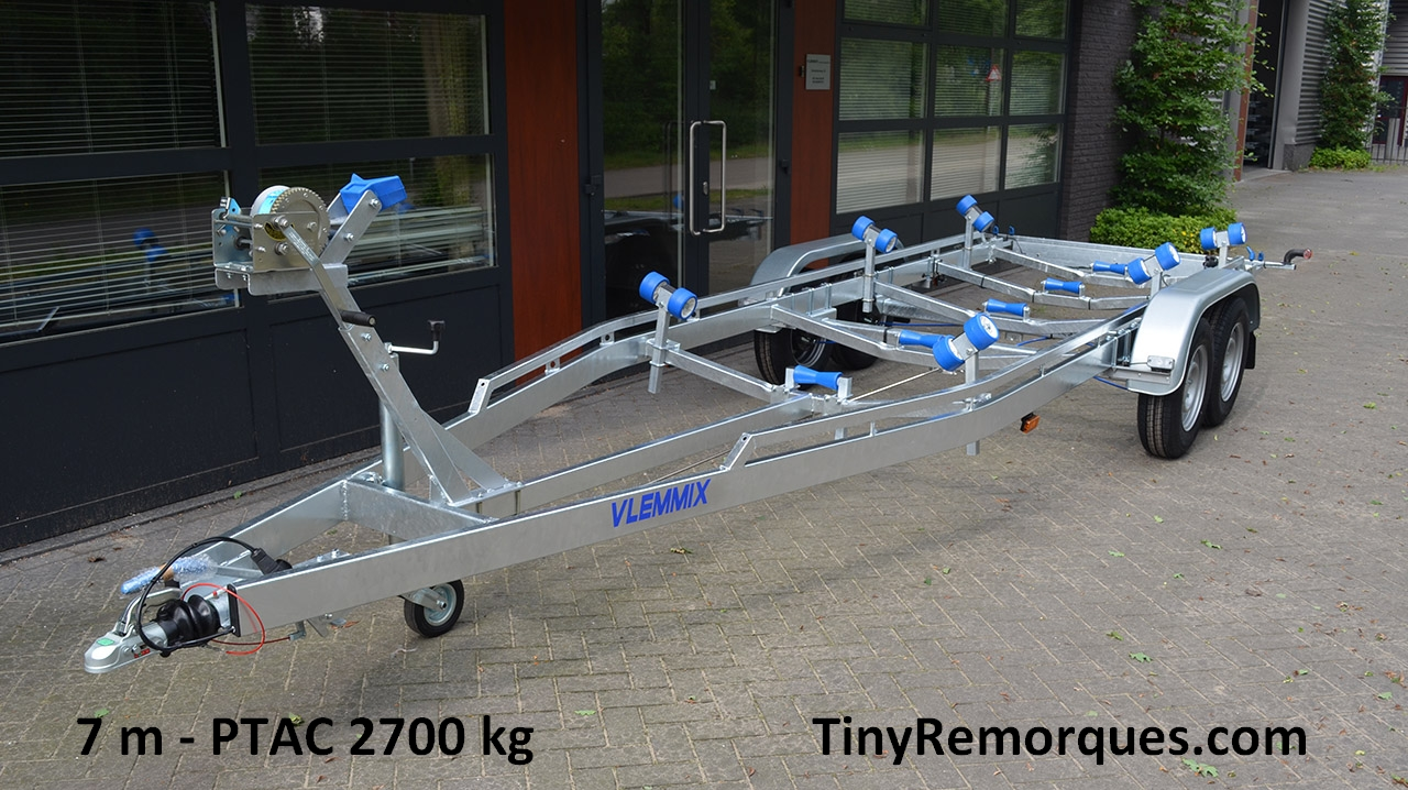 Boot trailer 7M 2700 Kg